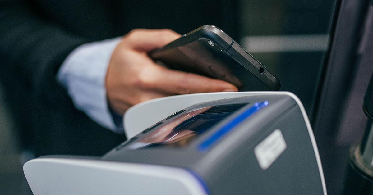 テクノロジーの成長が金融業界にもたらす危機と可能性とは?